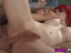 Tranny plows shemale slut and tugs her dick