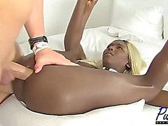 [argomx] Darksome Ladyboy rides Large 10-Pounder