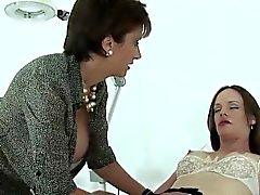 Unfaithful british mature lady sonia shows off her large nat
