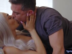 Blonde ts sweetheart Eva maxim ass gets pounded from behind